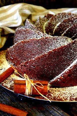 Kakkuviikarin vispailuja!: Mehevä maustekakku