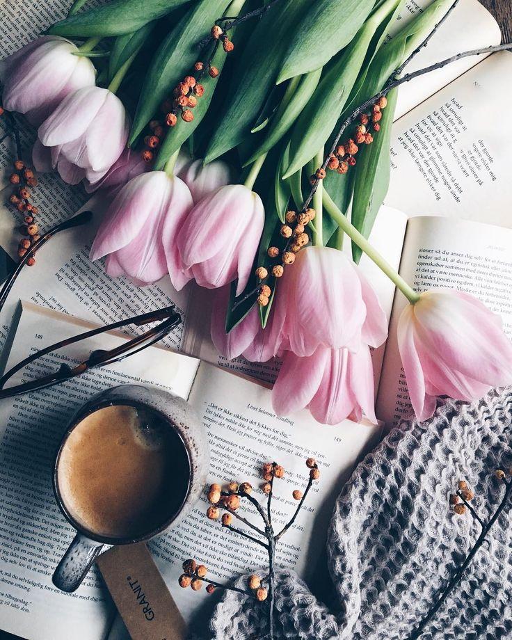 Thursday, soon weekend . Have a lovely day... #coffeemoment . . . . . . . . . . . . #coffeeandseasons #flatlayforever #flatlaytoday #naughtyteas #loveliest4 #astilllifestyle #morningmood #floralstories #tv_stilllife #still_life_gallery #theweekoninstagram #darlingweekend #coffeelife #tulipseason #ig_daily #petalsandprops #inspiredbypetals #flatlaysquad #stylingtheseasons #curated_nature #myquietbeauty #loveliest4 #antique_r_us #inspiremyinstagram #vscocoffee #loves_vscolifestyle