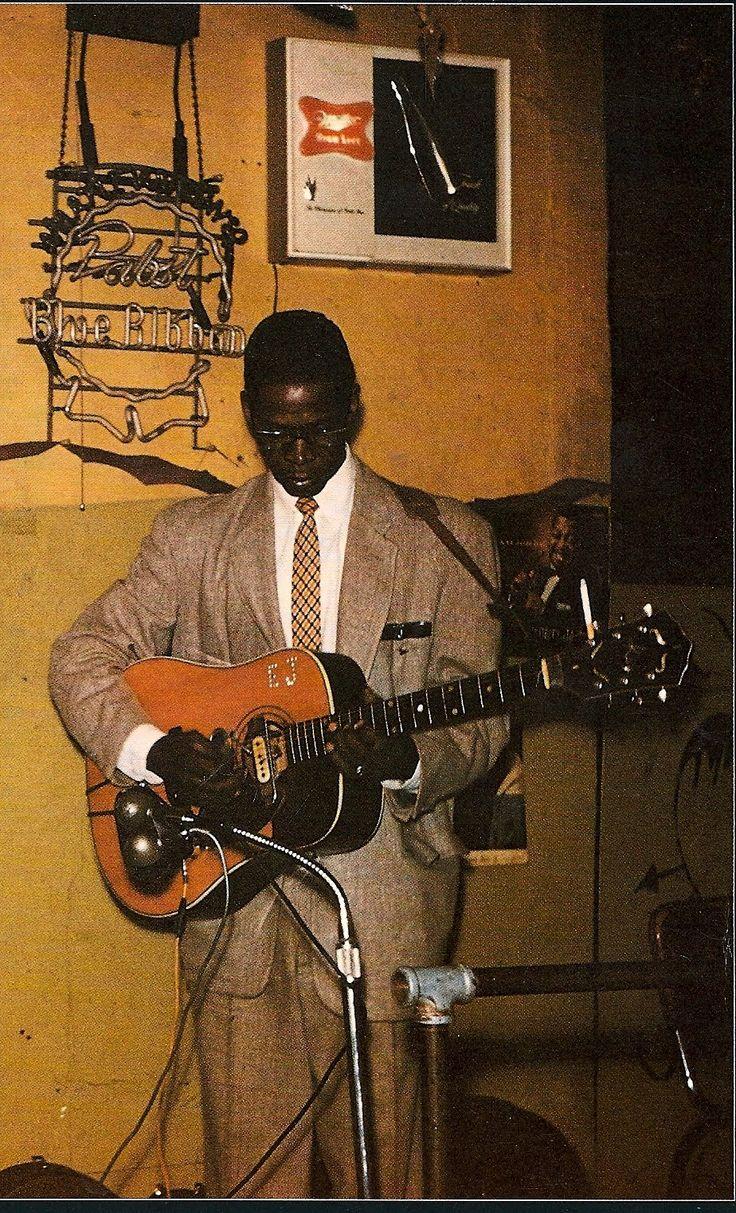 Elmore James, king of the slide guitar in color!
