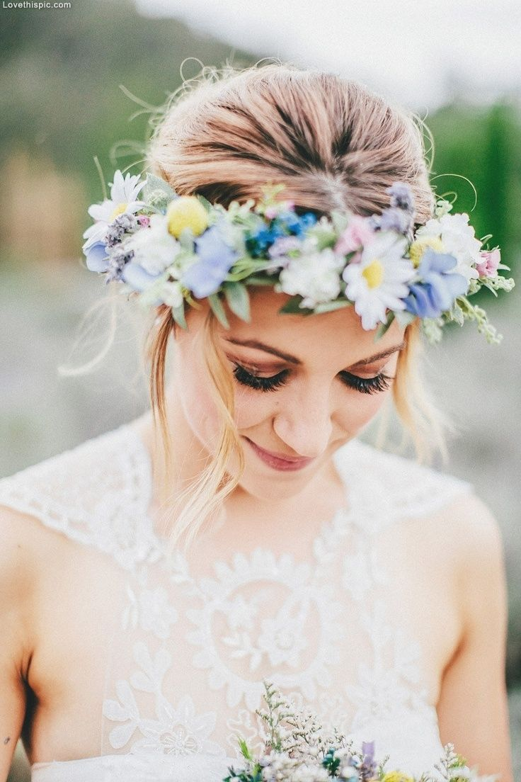 Elegant wedding style wedding dress makeup outdoors flowers country bride