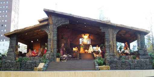 Life Size Nativity Scene In Downtown Pittsburgh Christmas