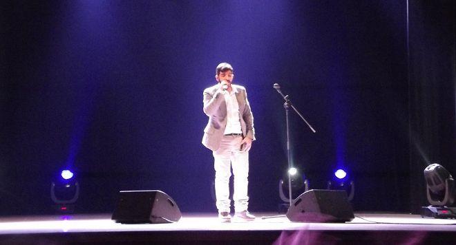 Tempio Pausania, il ritorno a casa del figliol prodigo. Mario canta al teatro del Carmine prima della finale di X Factor.