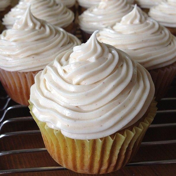 Pumpkin Cupcakes with Cinnamon Cream Cheese Frosting   Little Miss Nerd Girl #pumpkin #fall #dessert