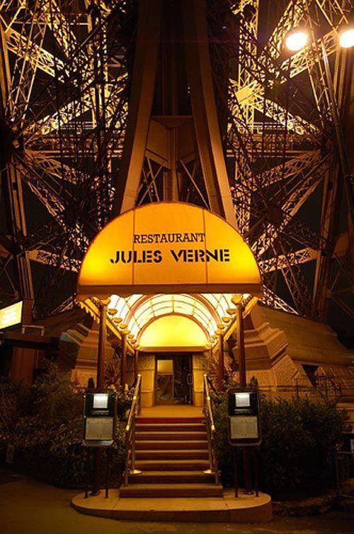 Le Jules Verne Eiffel Tower Steampunk Inspiration Pinterest