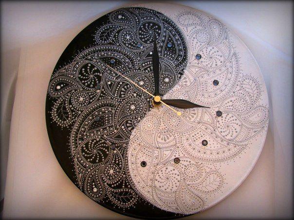 Часы на виниле - Инь-Ян
