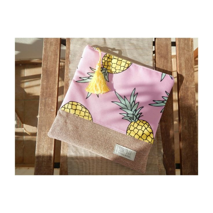 Someday summer bag with fresh pink Pineapples