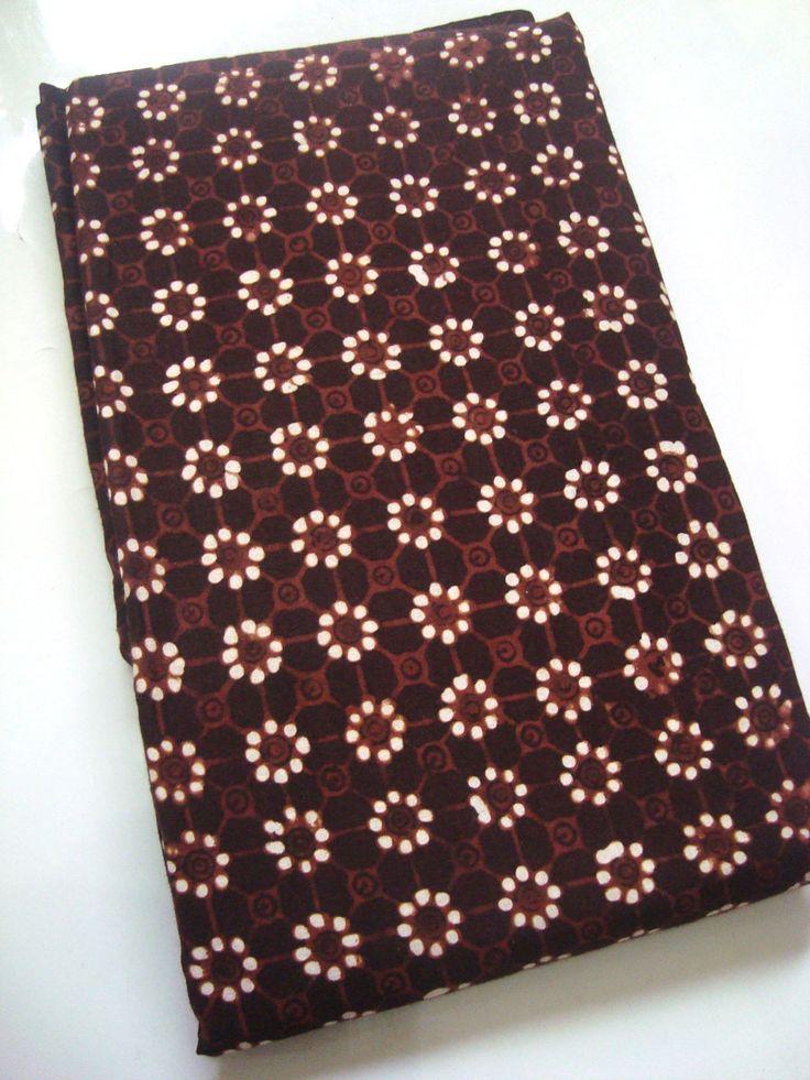 Batik Klasik Jogja Motif Truntum Sogan   http://thebatik.co.id/batik-sogan-klasik/batik-klasik-jogja-motif-truntum-sogan/