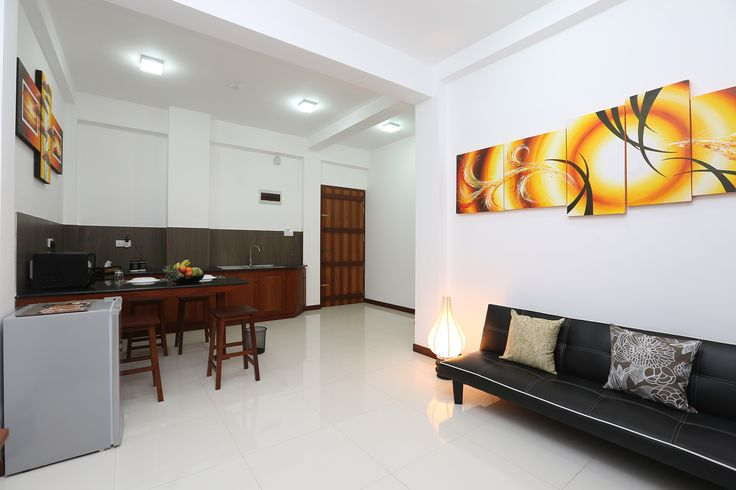 This property is 18 minutes walk from the beach. Offering accommodation with air conditioning, Iddamal Apartments is set in Mount Lavinia, 1.5 km from Mount Lavinia Bus Stand. Free WiFi is provided throughout the property. The accommodation features a flat-screen TV with satellite channels....