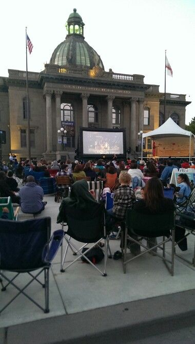Free outdoor movie thursday nights redwood city fun in for Arya global cuisine redwood city