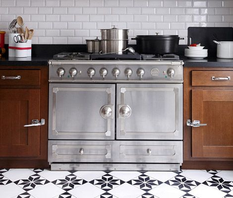 15 must see la cornue pins stoves white marble kitchen. Black Bedroom Furniture Sets. Home Design Ideas