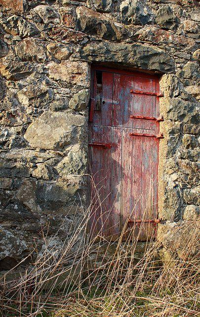 Weathered barn door by Helen in Wales, via Flickr
