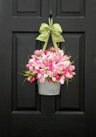 玄関ドアにお花画像