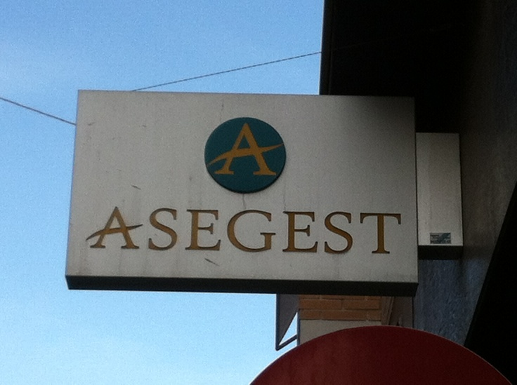Asegest.