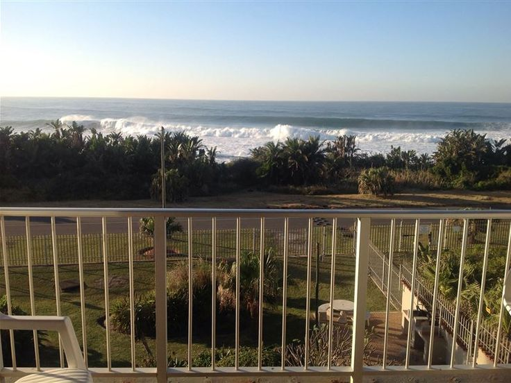 Jakaranda Holiday Flats 17 - Jakaranda Holiday Flats 17 Is situated in Uvongo, 100 meters from the coast and within walking distance of the Uvongo swimming beach. This apartment offers self-catering accommodation ideal for families ... #weekendgetaways #margate #southafrica