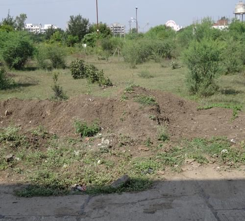 I want to sale a plot at police housing society sanjeev nagar lalghati bhopal. Description of plot :- plot size :-  1500 square fit. Facing :- west. price :- 1500 Rs. per square fit. This colony is fully developed colony, good locality, well appreciation value, proper convenience, & all basic amenities. Note :- Only Govt. employee can purchase this plot.