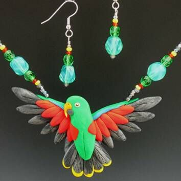 Eclectus Male Necklace