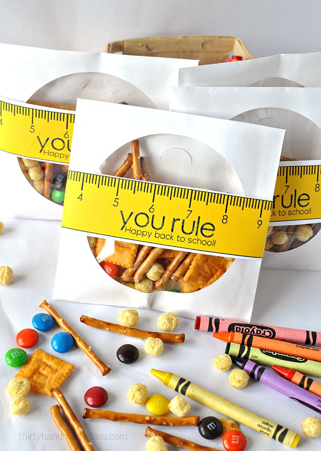 You rule! Happy Back to school printable with yummy school mix www.thirtyhandmadedays.com