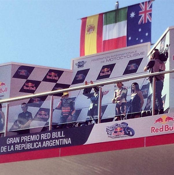 Aquí está el podio en #termasderiohondo #argentina @Bridget Lee 1- Fenati 2-Márquez 3-Miller