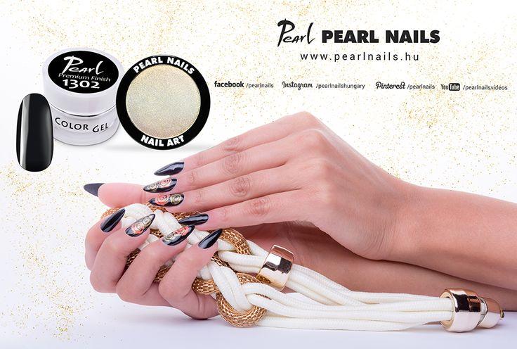 Krómporral a legegyszerűbb köröm is ünnepivé varázsolható. / With chrome powders you can make festival nails in a simple way. #nails #nailstagram #pearlnails #chromenails #műköröm