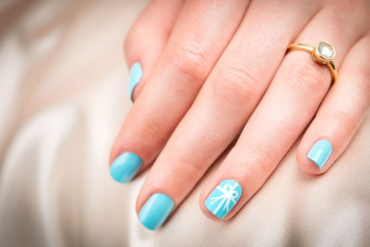 Make your #nails your something blue on your big day! #blueweddings