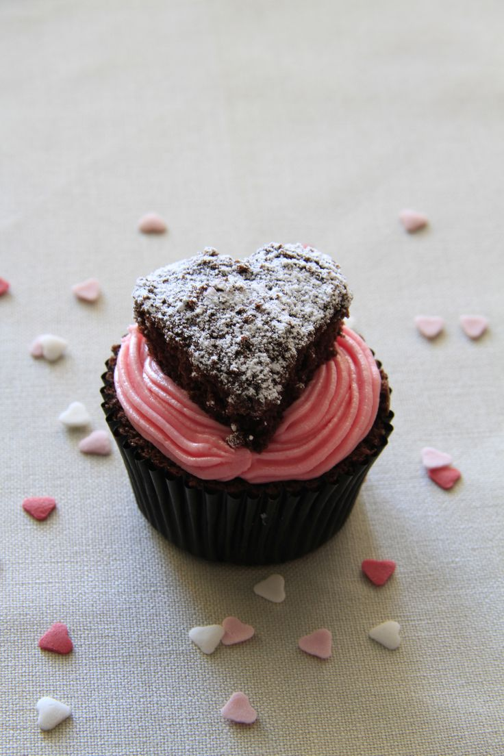 Heart cupcakes for an 8 year old <3