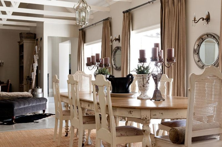 Roses and rust durbanville delight dining rooms for Kitchen tables cape town