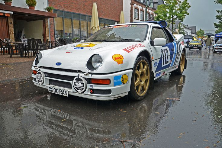 Ford RS200 rally group b