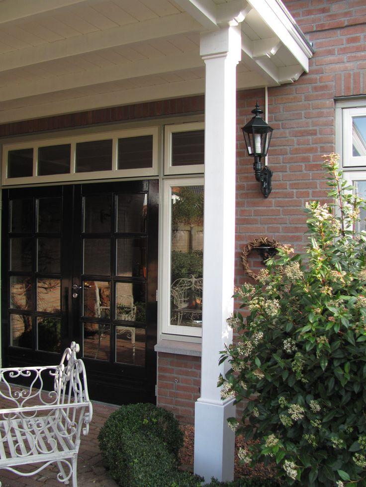 25 beste idee n over veranda pilaren op pinterest veranda verbouwen veranda makeover en - Veranda met stenen muur ...