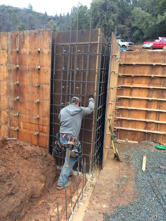 Forming And Placing Concrete For The Garage Fine Homebuilding Concrete Walls Diy Concrete Wall Concrete Block Foundation