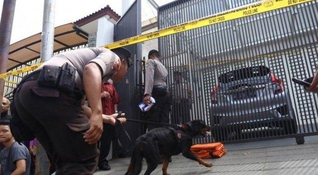 Jakarta - Penyidik Polda Metro Jaya terus mengusut kasus perampokan sadis di rumah Dodi Triono,...