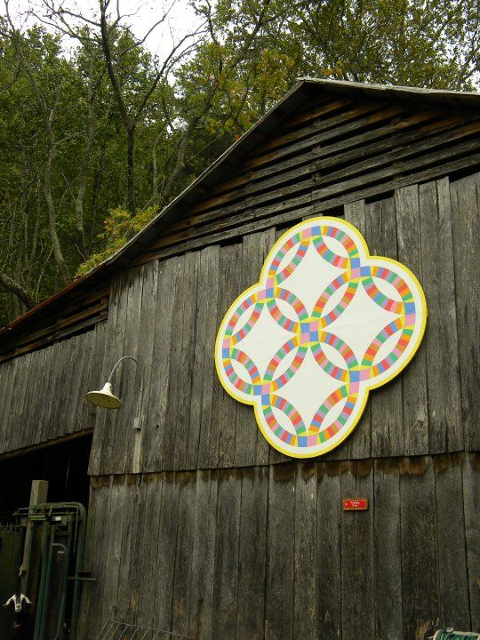Barn Quilts and the American Quilt Trail - Double Wedding Ring, Tennessee                                                                                                                                                                                 More