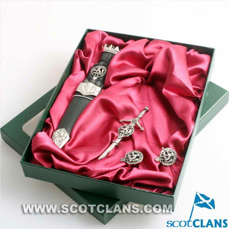 MacIntosh Clan Crest Kilt Accessory Set http://www.scotclans.com/scottish_clans/clan_mackintosh/shop/kilt_accessories/AP-CGS2.html