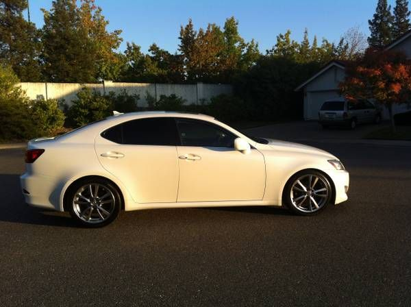 lexus is 250 2007 white. make lexus model is 250 year 2008 body style car exterior color is 2007 white d