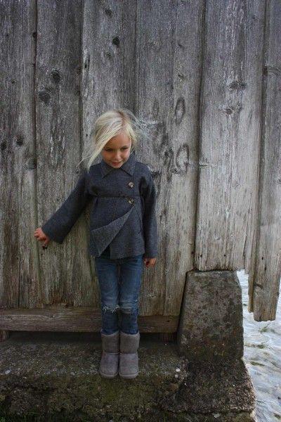 beautiful coat: Jacket, Ugg Boots, Kids Fashion, Grey Uggs, Fall Outfits For Girls Kids, Girls Fashion, Beautiful Coats, Christmas Gift