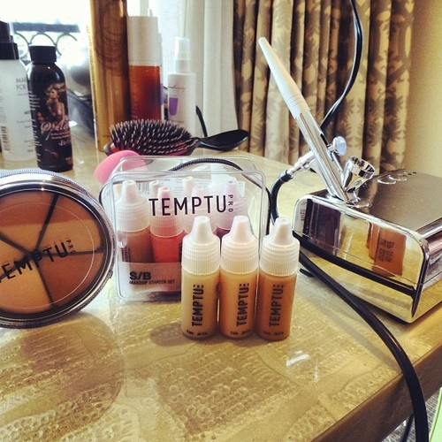 temptu airbrush makeup yes please! #DressUp&PartyDown Something new to try...Airbrushed makeup