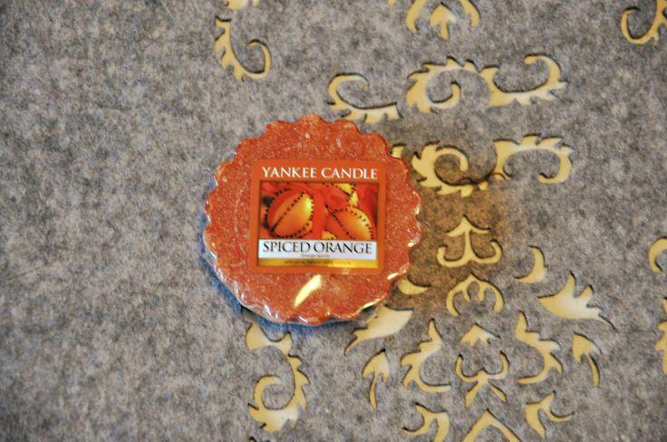 Obiecana recenzja wosku Yankee Candle Spiced Orange.