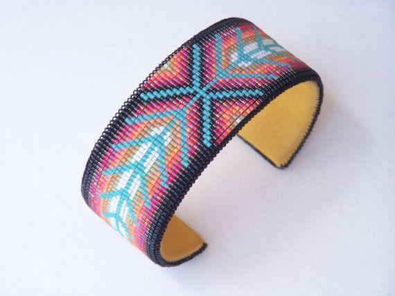 Bracelet manchette Chevron perles amérindiennes avec par LJGreywolf