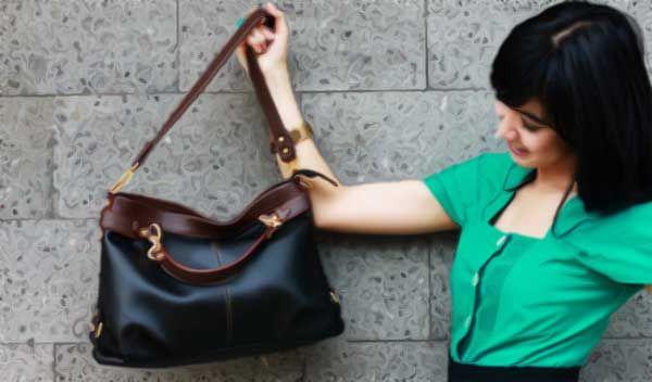 Wanita menyukai belanja secara online karena praktis dan cepat. Tetapi ada baiknya anda mengetahui cara memilih tas branded secara online agar tidak menyesal saat barang sudah sampau ditangan anda. Belanja online bagi seorang wanita yang tidak suka melakukan perjalanan adalah pilihan yang tepat. Untuk melengkapi aktifitas seorang wanita, tas menjadi wadah yang harus selalu ada …