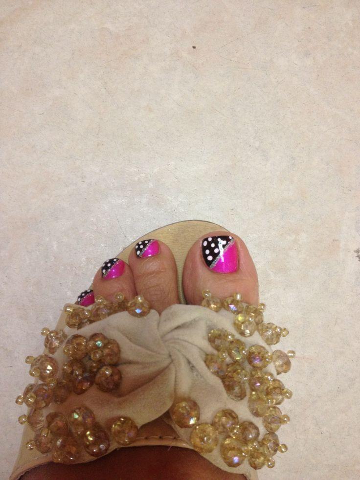 I love my toe designs