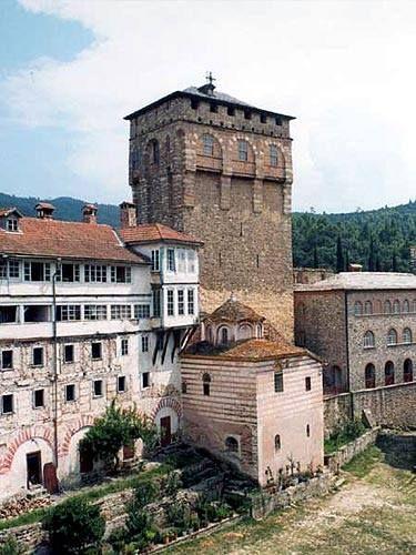 Απόψεις της αυλής της Μονής Χιλανδαρίου- The courtyard of Chilandari Monastery