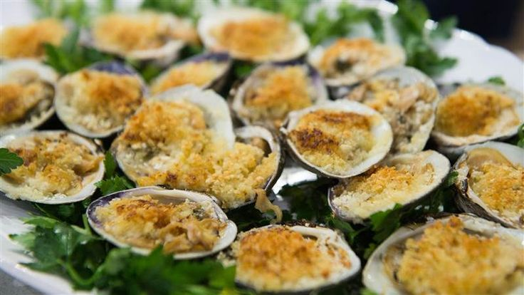 Anthony and Elania Scotto are in the TODAY kitchen with Kathie Lee Gifford and Hoda Kotb to demonstrate how to make the Feast of the Seven Fishes, a traditional Italian meal typically prepared for Christmas Eve. On the menu: Baked clams, zuppa di pesce (fish soup) and more.