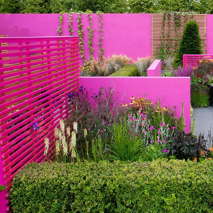 hot pink garden walls (Jill Foxley's garden, Hampton Court Palace Flower Show 2011)