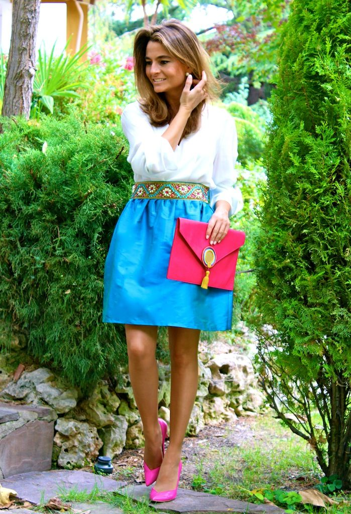 Fashion and Style Blog / Blog de Moda . Post: OhMyLooks skirt / Falda OhMyLooks: Falda joya con flor de perlas .More pictures on/ Más fotos en : http://www.ohmylooks.com/?p=24118 .Llevo/I wear: Skirt/Falda : Oh My Looks Shop (info@ohmylooks.com) ; Blouse/Blusa : Elogy (El corte Inglés) ; Bag/Bolso : Cordón de seda ; Shoes /Zapatos : Pilar Burgos