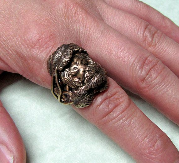 Hidden Lion 'King of the Jungle' Leafy Ring Band by ranaway