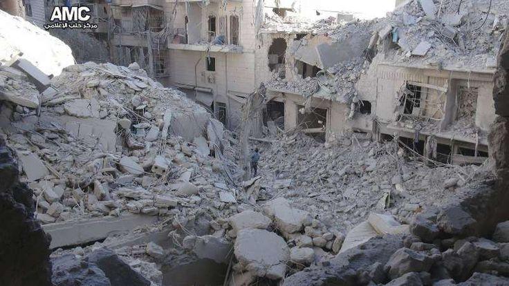 Lebih dari 90 warga sipil tewas di Aleppo dan pedesaannya oleh jet tempur rezim Asad  ALEPPO (Arrahmah.com) - Jet tempur rezim Asad pada Jum'at (23/9/2016) mengintensifkan serangan udara di Aleppo dan pedesaannya melakukan pembantaian terhadap warga sipil dengan membunuh lebih dari 90 warga sipil dan melukai puluhan orang lainnya sebagaimana dilansir Orient Net.  Serangan itu menargetkan sejumlah kota dan desa di Aleppo serta banyak lingkungan di kota Aleppo. Sejumlah bom klaster dan bom…