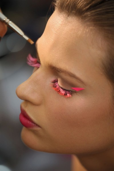 Neon lashes #makeup #pink