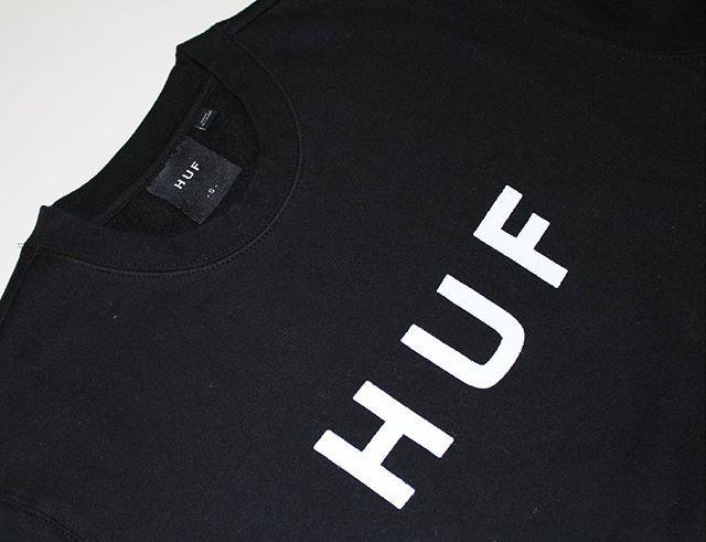 New @hufworldwide Original Logo Crew in stock. Link in bio. #hufworldwide #holiday17 #crewneck #skatewear #streetwear #skate #skateboard #skateboardingisfun #skateeveryday #skateshop #onlineskateshop #centralskateshop #frenchriviera #roquebrunecapmartin