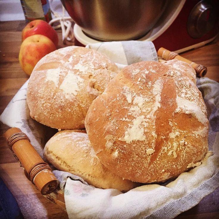 Samstägliche Sonntagsbrötchen mit Dinkel gepufftem Amaranth und Cashewnüssen!  #brötchen #bun #diy #essen #food #instafood #hunger #frühstück #breakfast #dinkelmehlforthewin #keinaufbackmistsondernselbstgemacht #Hildesheim #photooftheday #picoftheday #yummi #foodporn #lecker #nomnom #igersgermany
