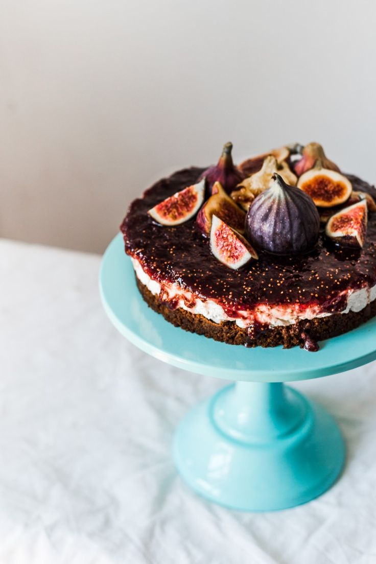 Baby Blue Metallic Cake Stand with a Fig Cheesecake on it! Oh la la! Visit partyalphabet.gr and shop online best Party Supplies.
