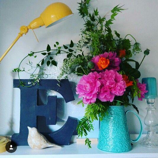 Vase & flowers